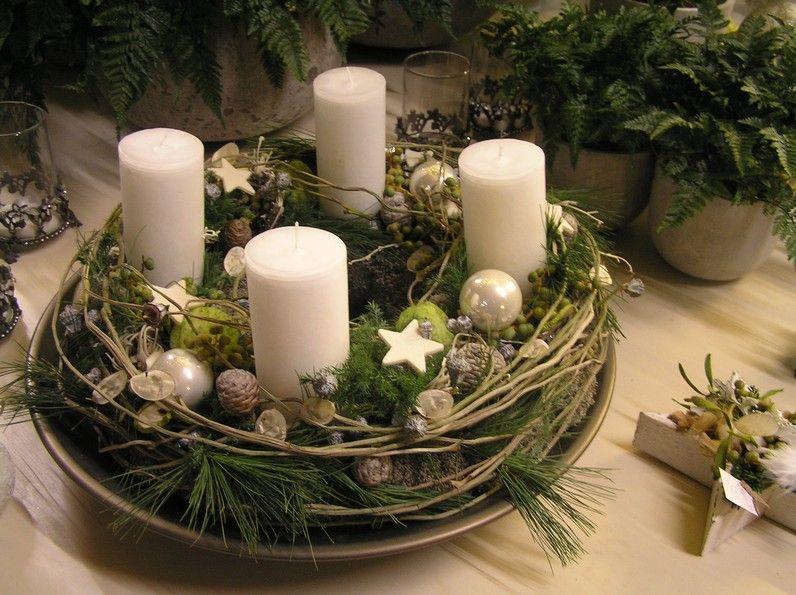 Adventskranz mit cremeweiss Weinachten Pinterest Cremeweiß, Weihnachten und Kränze