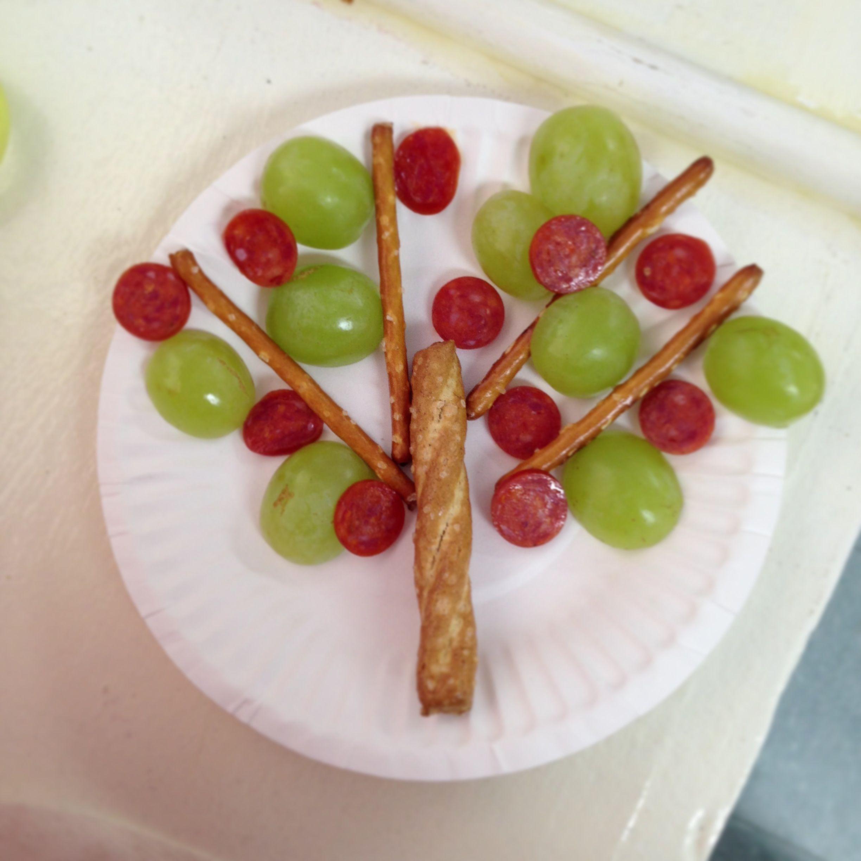 Preschool Garden Tree Theme Snack Pretzels Ghalves