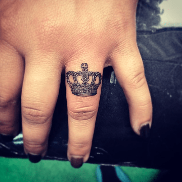 32 Beautiful Crown Tattoos Fit For Royalty Finger