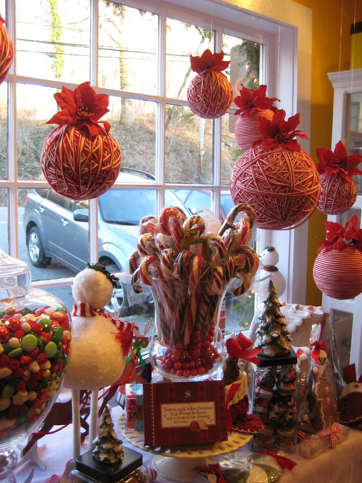 mmmmm candy canes... i also like the yarn balls that gives