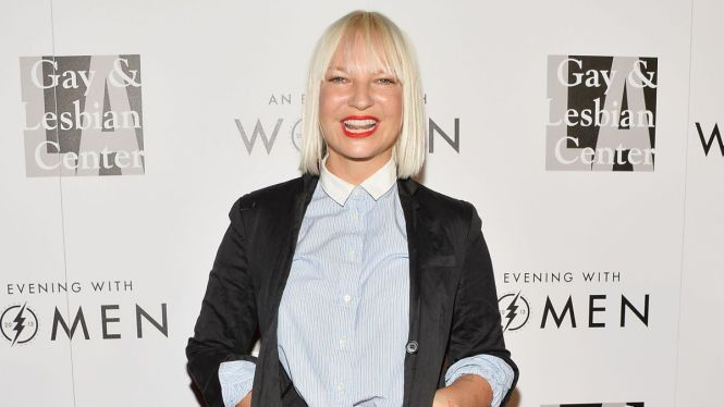 Sia S New Yolo Song Chandelier Could Have Been Rihanna