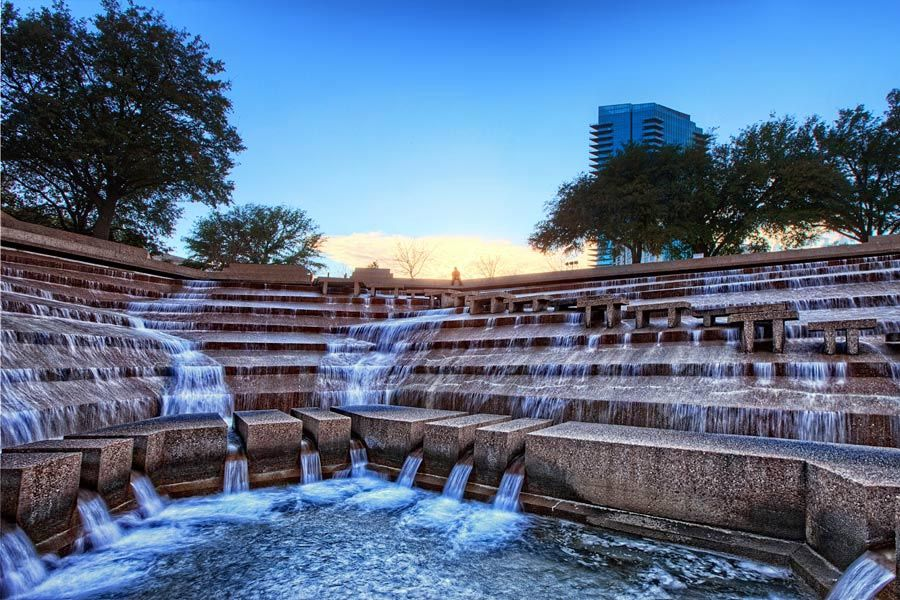 engagement photos at fort worth water gardens Fort Worth