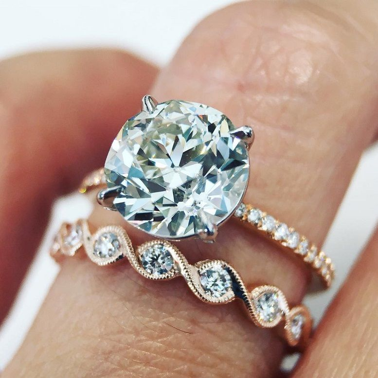Gorgeous solitaire engagement ring and antique wedding band #engagementring #solitaire