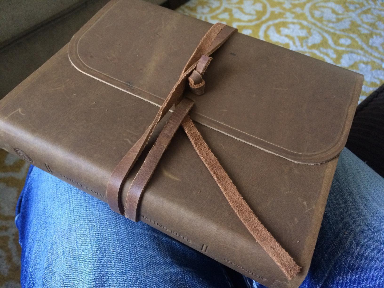 ESV Single Column Journaling Bible (Brown, Flap with Strap