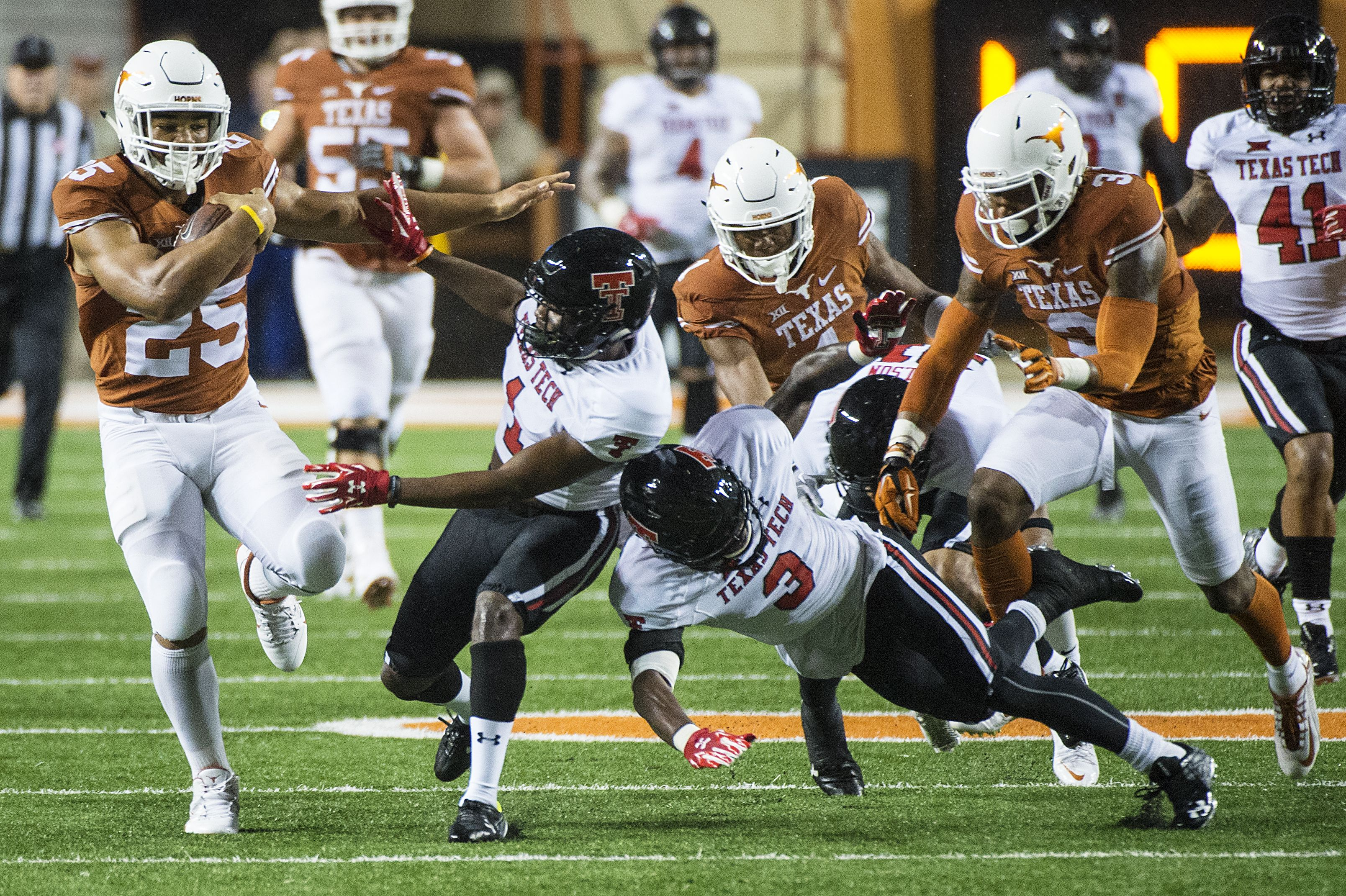 RB Chris Warren III Texas Football vs. Texas Tech [Nov