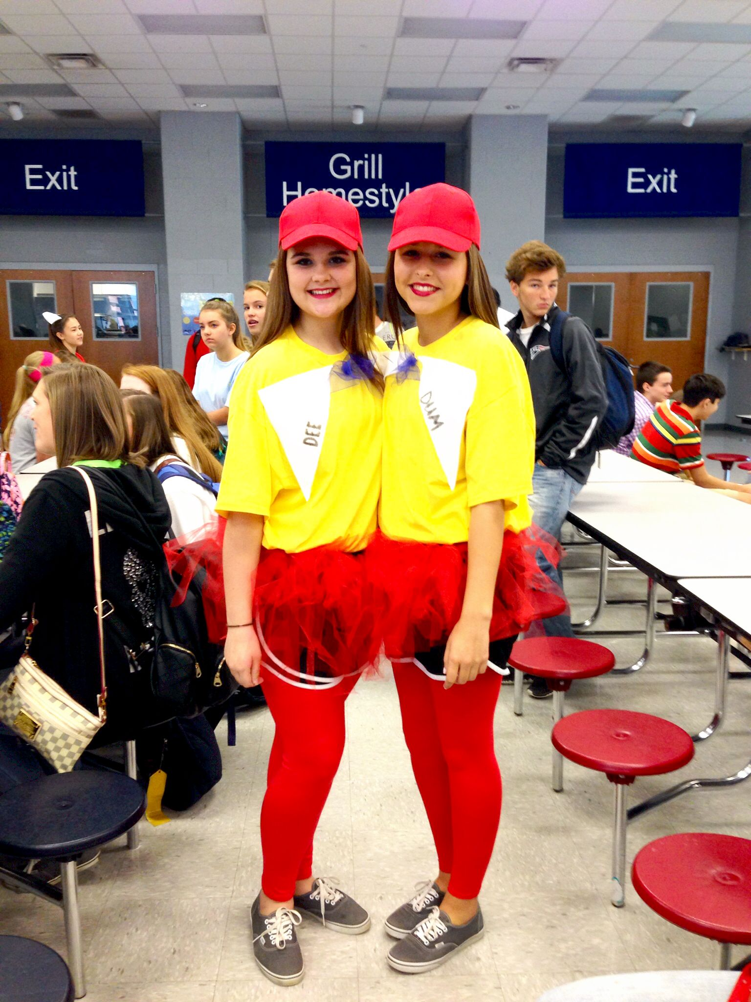 spirit week disney twin day ️ tweedle dee and