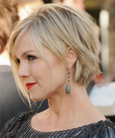 Short Hairstyles Round Faces Women Img55692d0909ddd2979