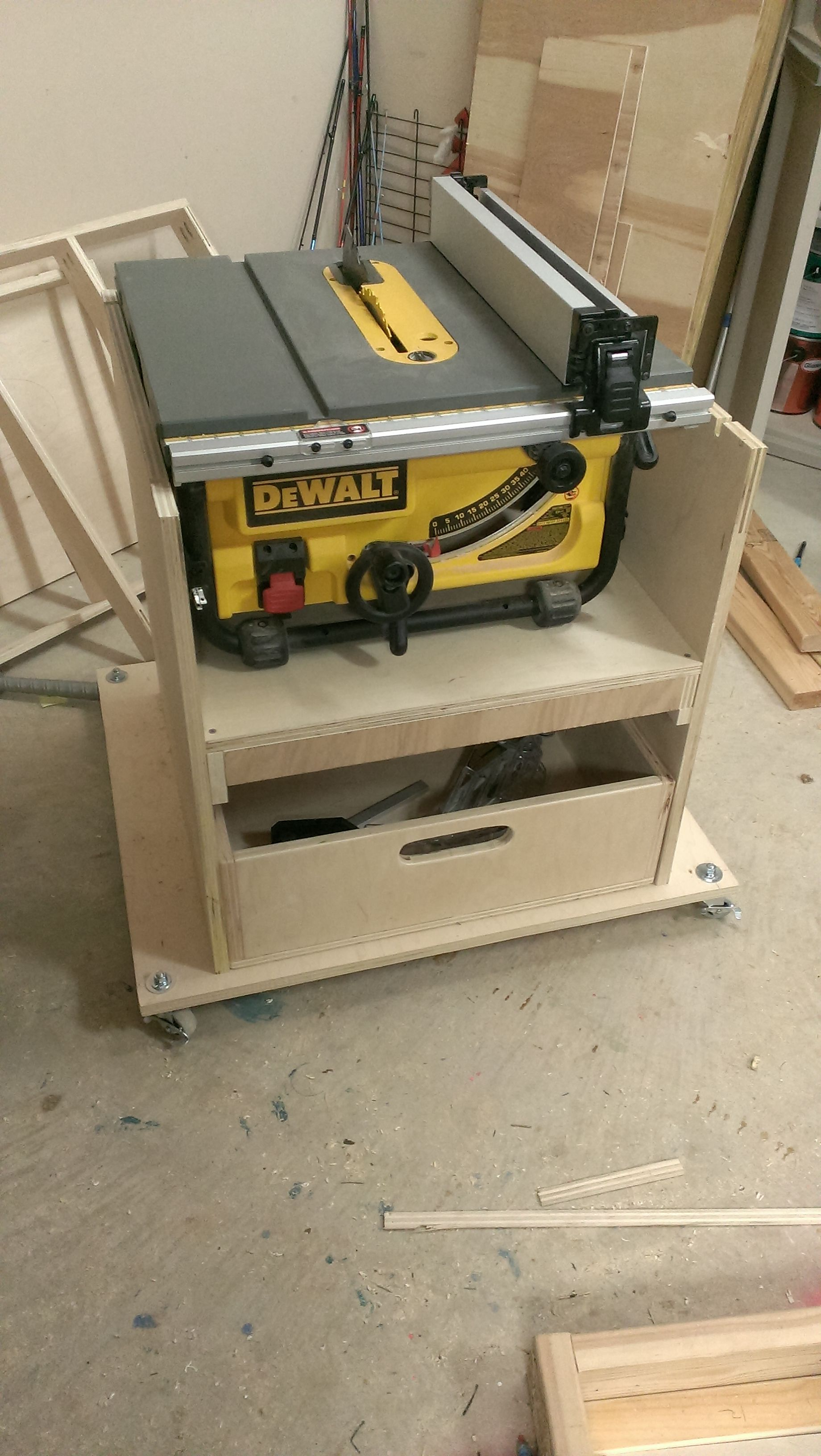 Mobile stand for my new table saw2014032320.28.45.jpg