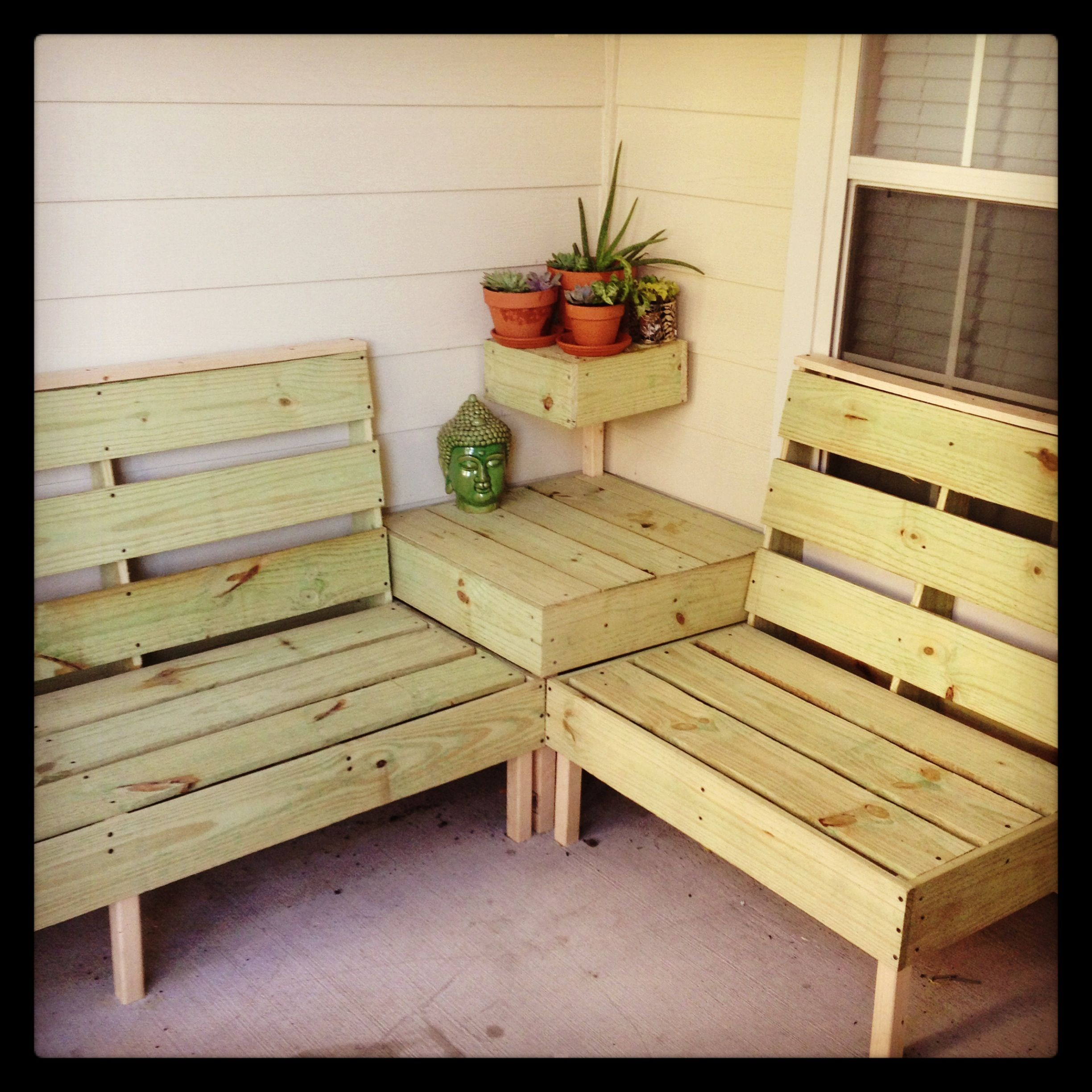 DIY patio furniture. I think this may be the perfect size
