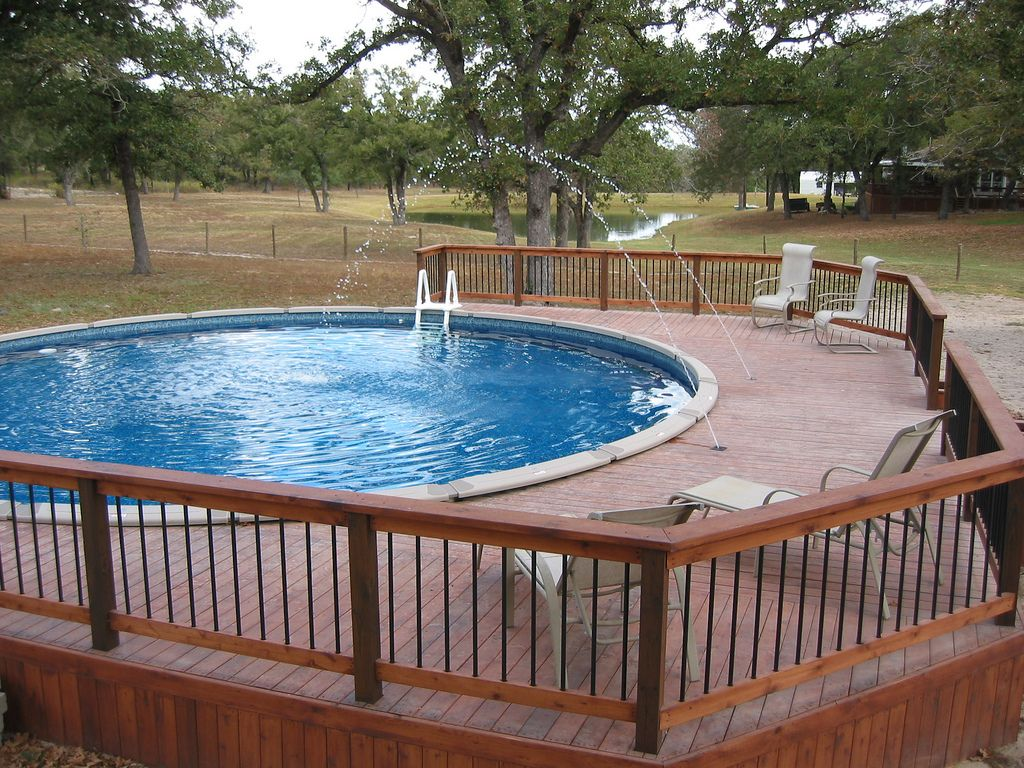 Above Ground Pool Deck Jets and Dark Blue Liner LaVernia