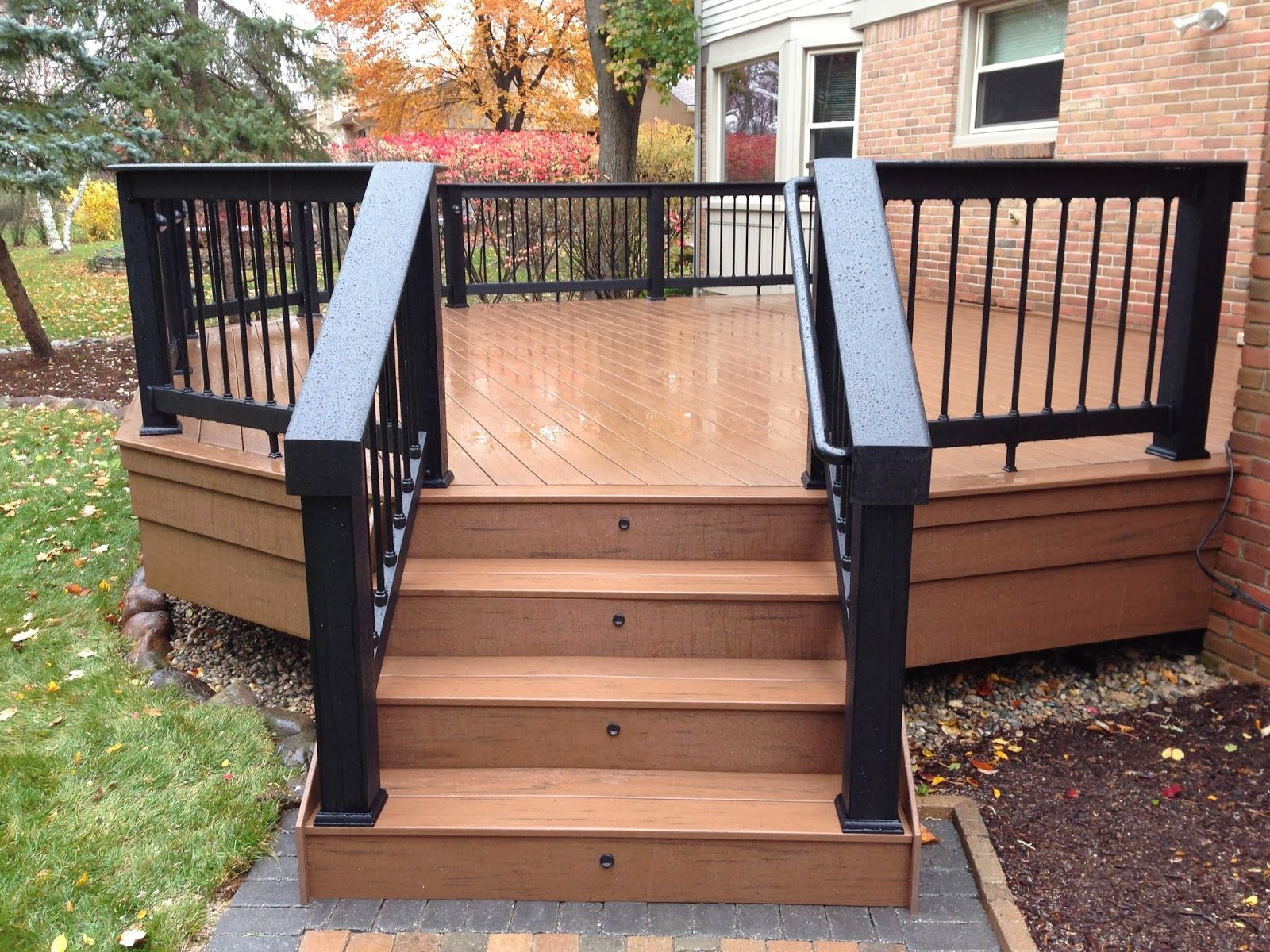 Grabbing Exterior Beauty with Small Backyard Deck Ideas