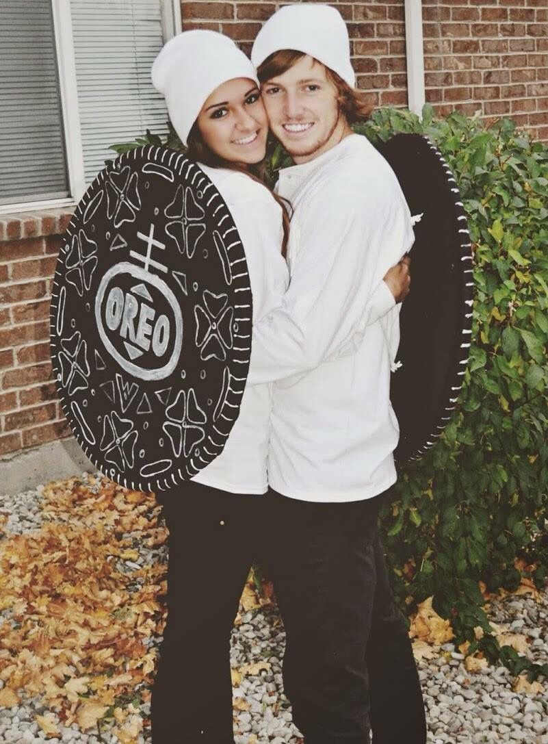 Cute Oreo couple costume Boo! Halloween! Pinterest