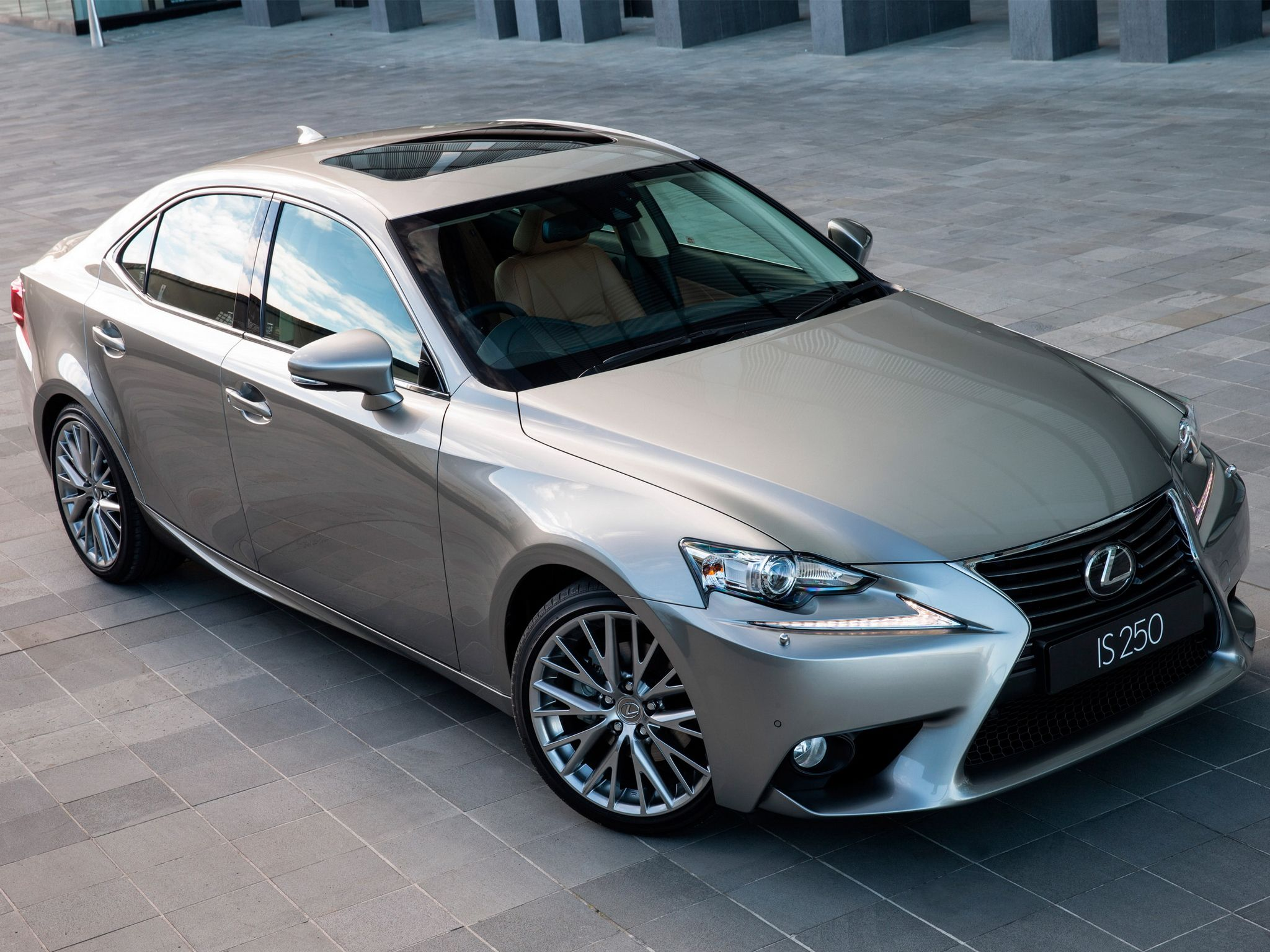 2013 Lexus IS 250 AU spec for my hubby only it needs to be black