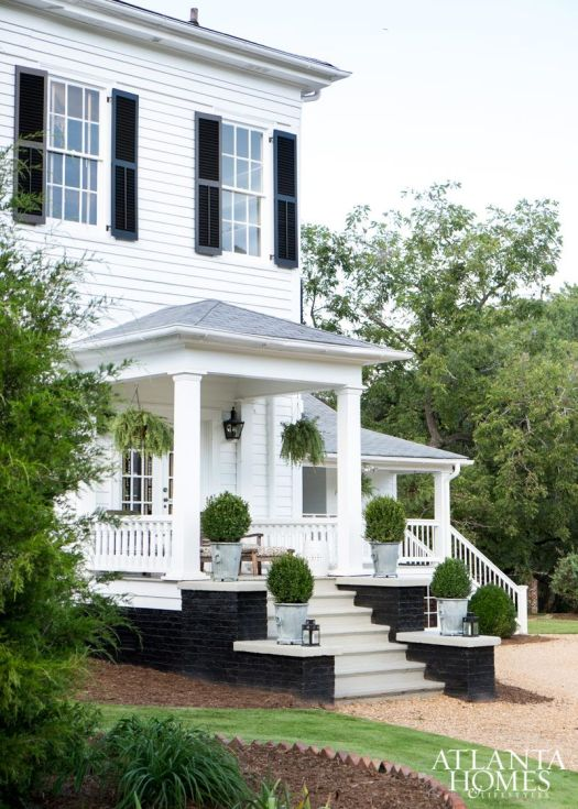 Beautiful Georgia Peach House Renovation By Famous Designer Black Brickatlanta Homespainted