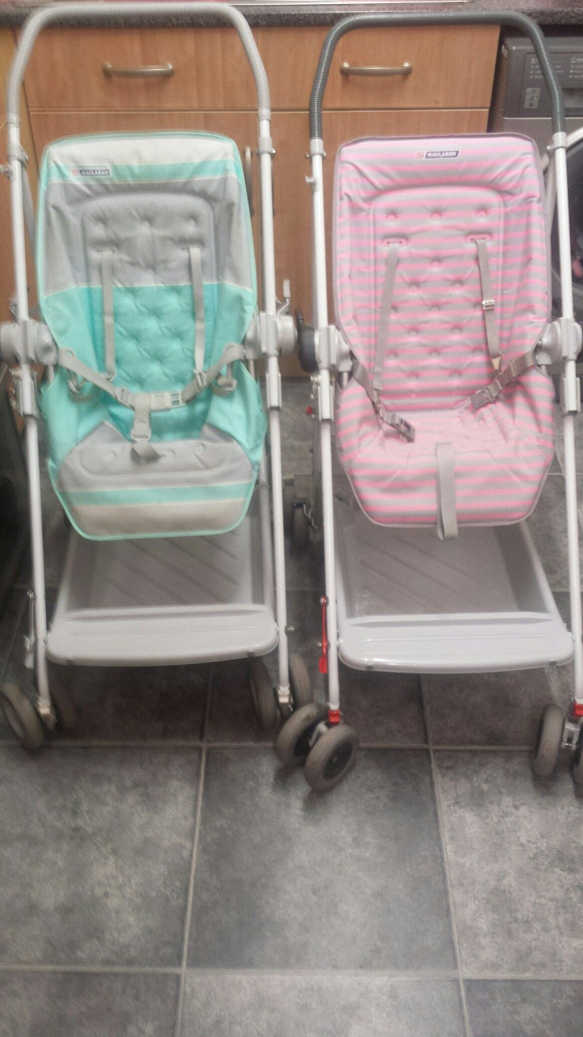 Had one of these in blue stripe , loved this buggy Wòzkl