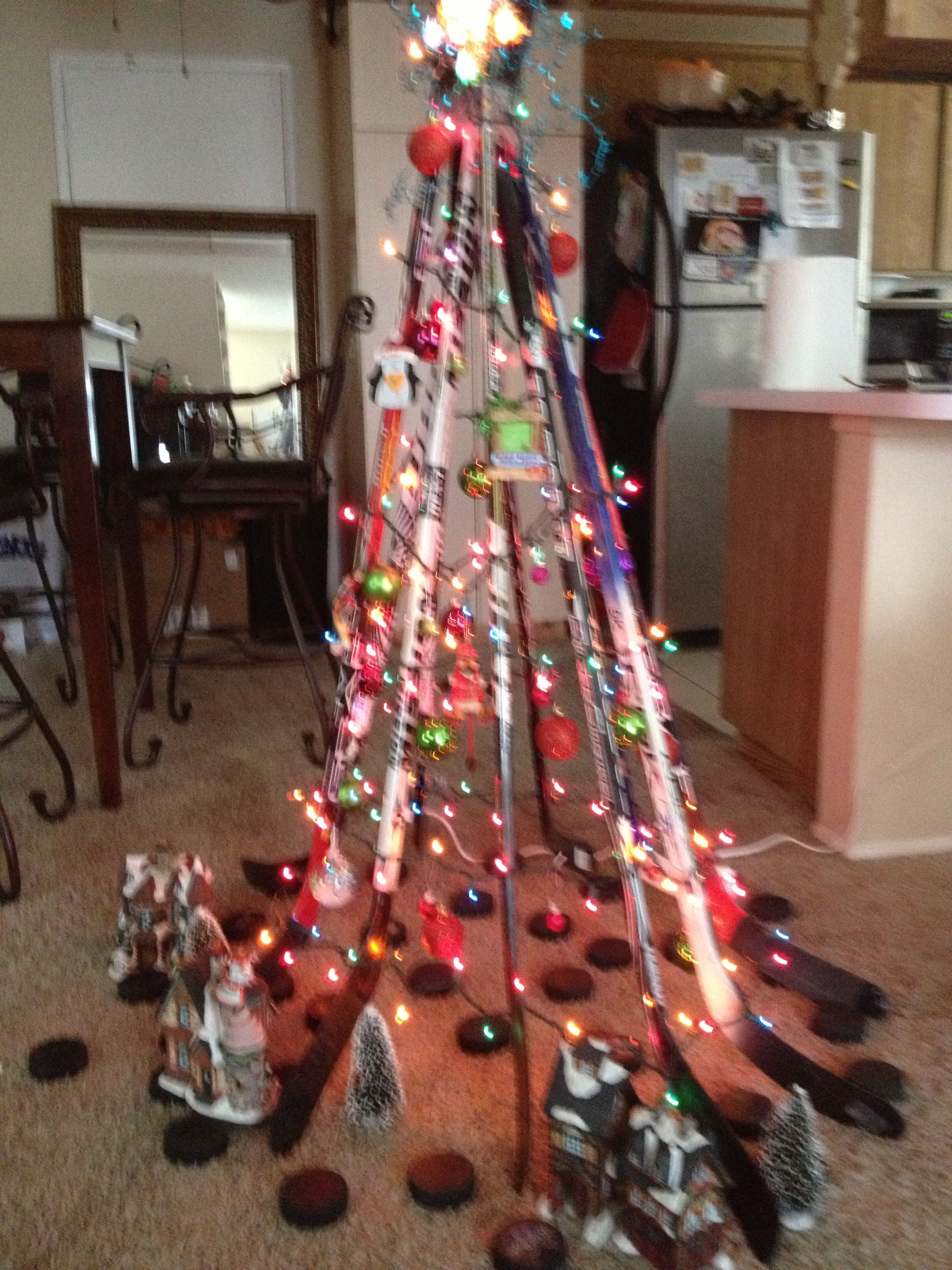Diy Hockey Stick Christmas Tree Recycled With Puck Tree