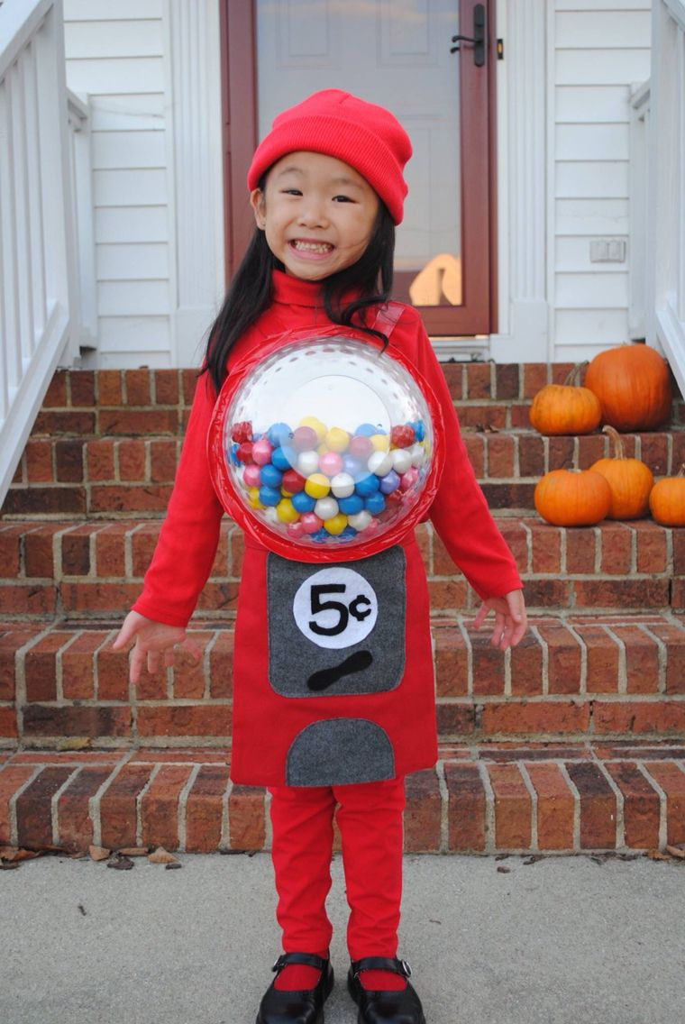 A cute and cheap halloween costume for a little girl! An