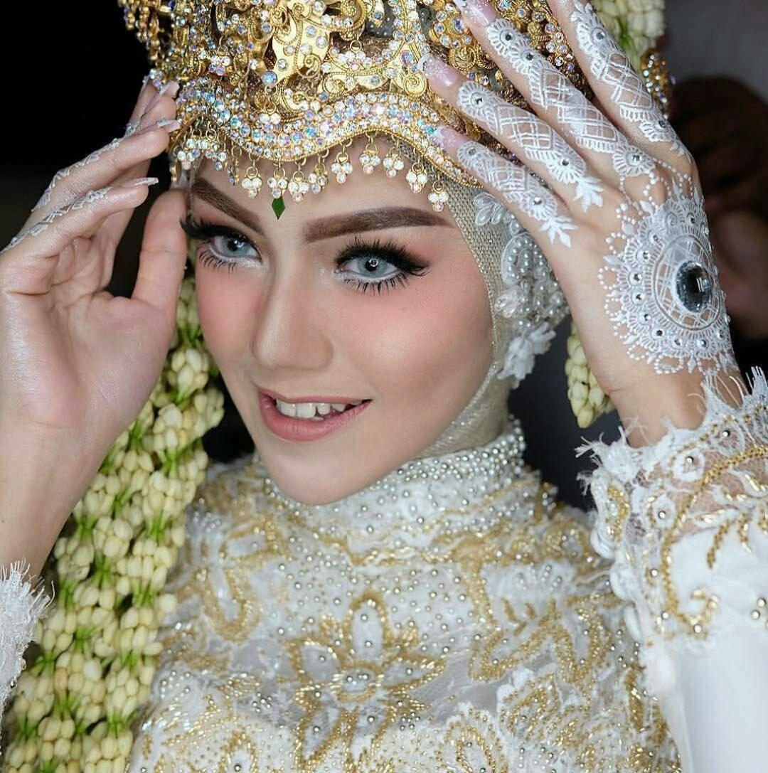 Natural and Soft flawless makeup by nanathnadia Siger and