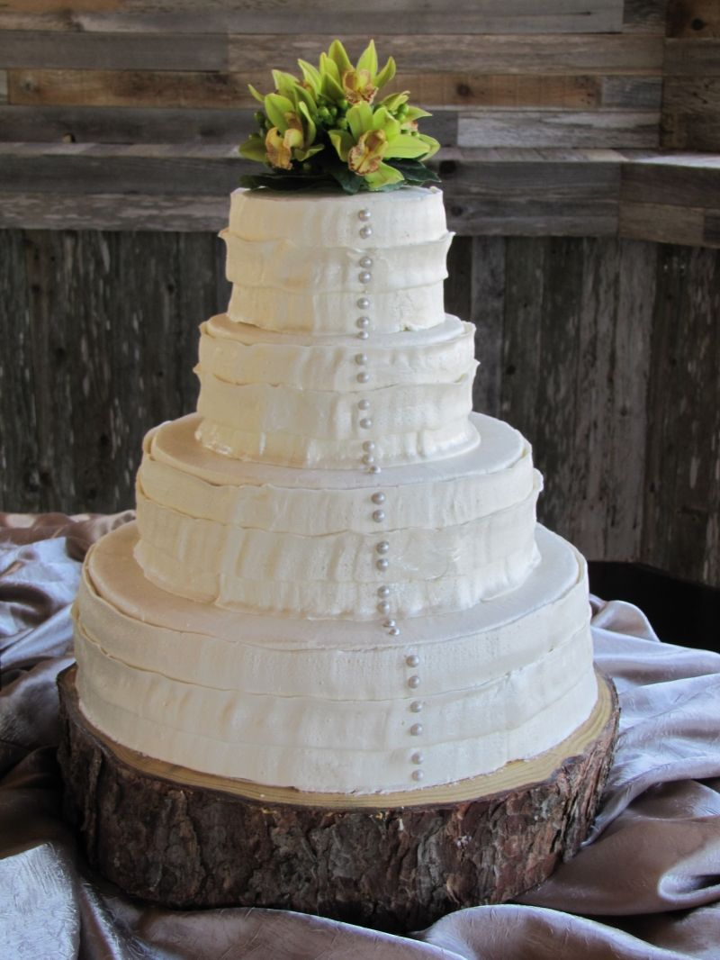 Rustic   Cakes   Pinterest   Rustic wedding cakes  Wedding cake and Cake llove the bark cake stand
