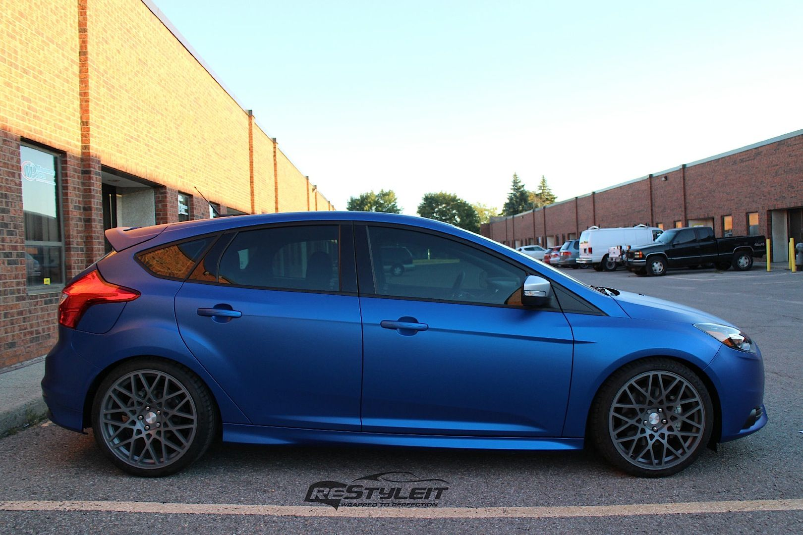 Ford Focus ST mk3 tuning blue and gray rims FordFocus