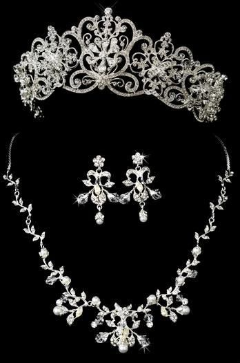 Majestic Tiara And Jewelry Set For Your Regal Wedding Day