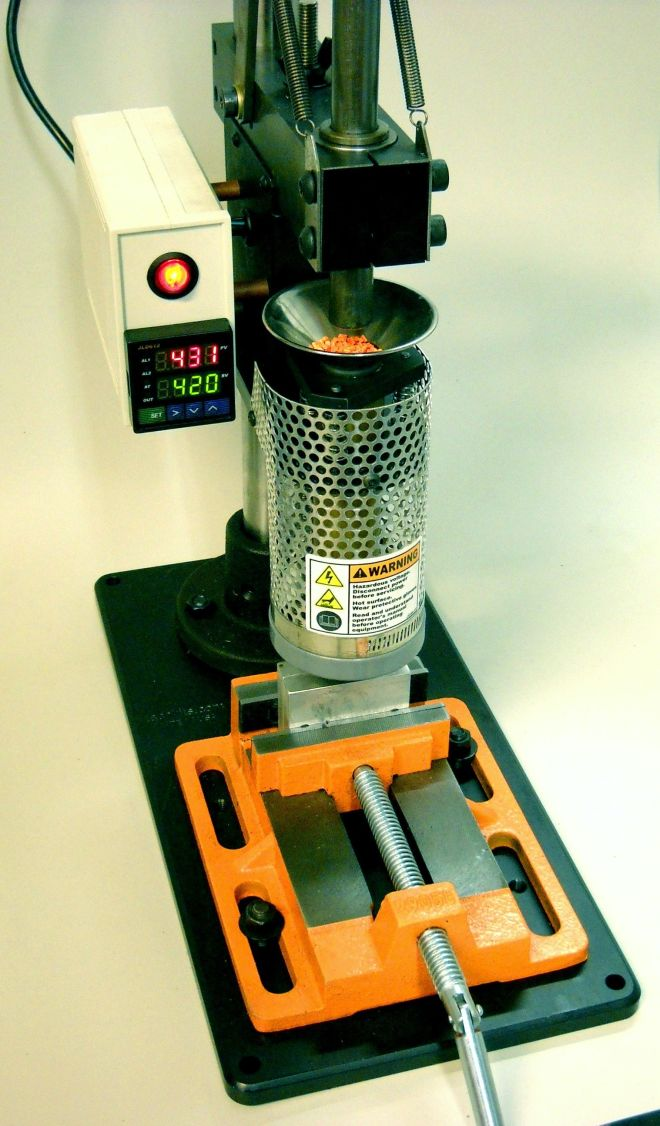 Desktop injection molding machine kickstarter funded