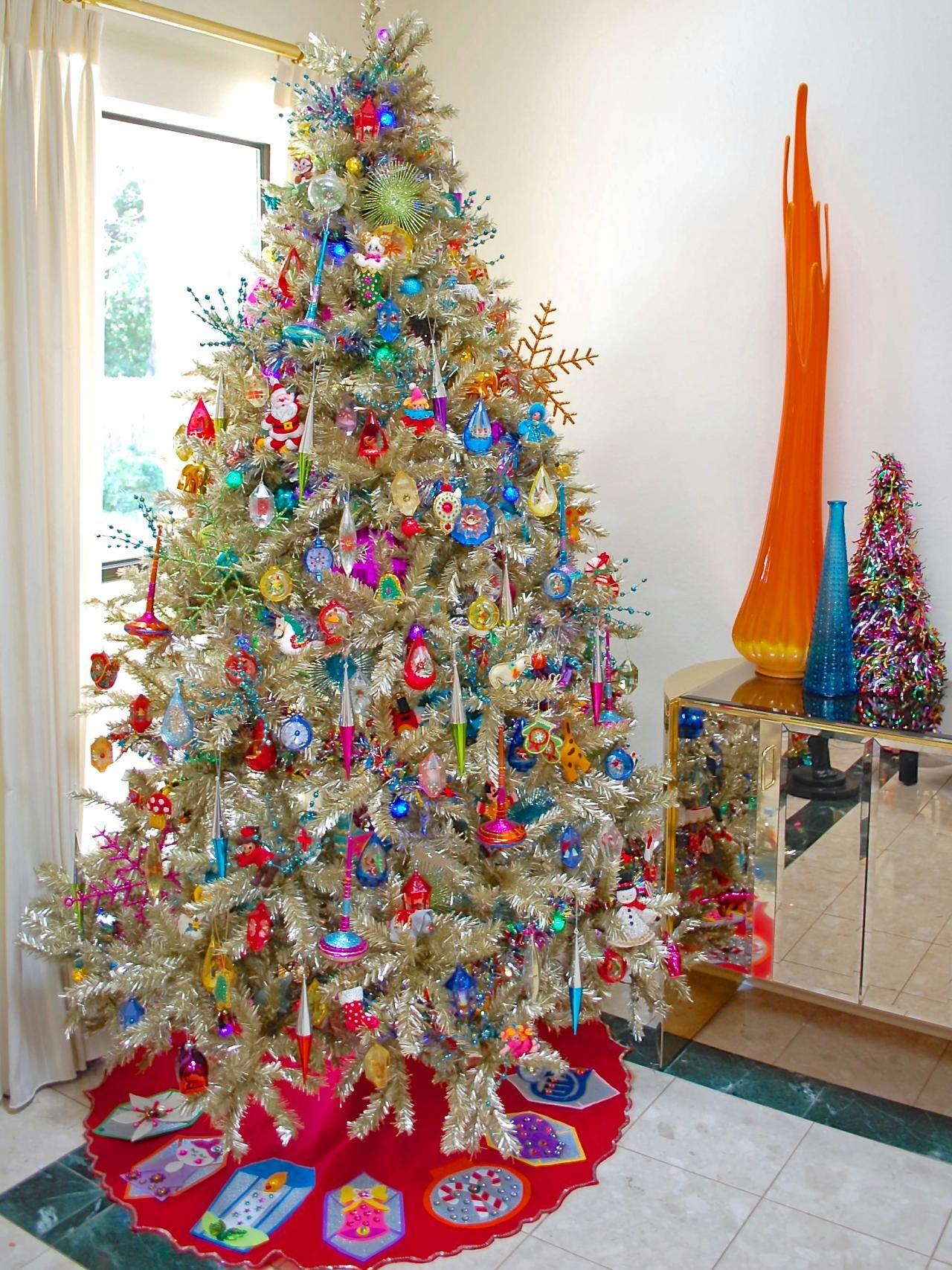 10 Totally Outrageous Retro Christmas Trees Retro