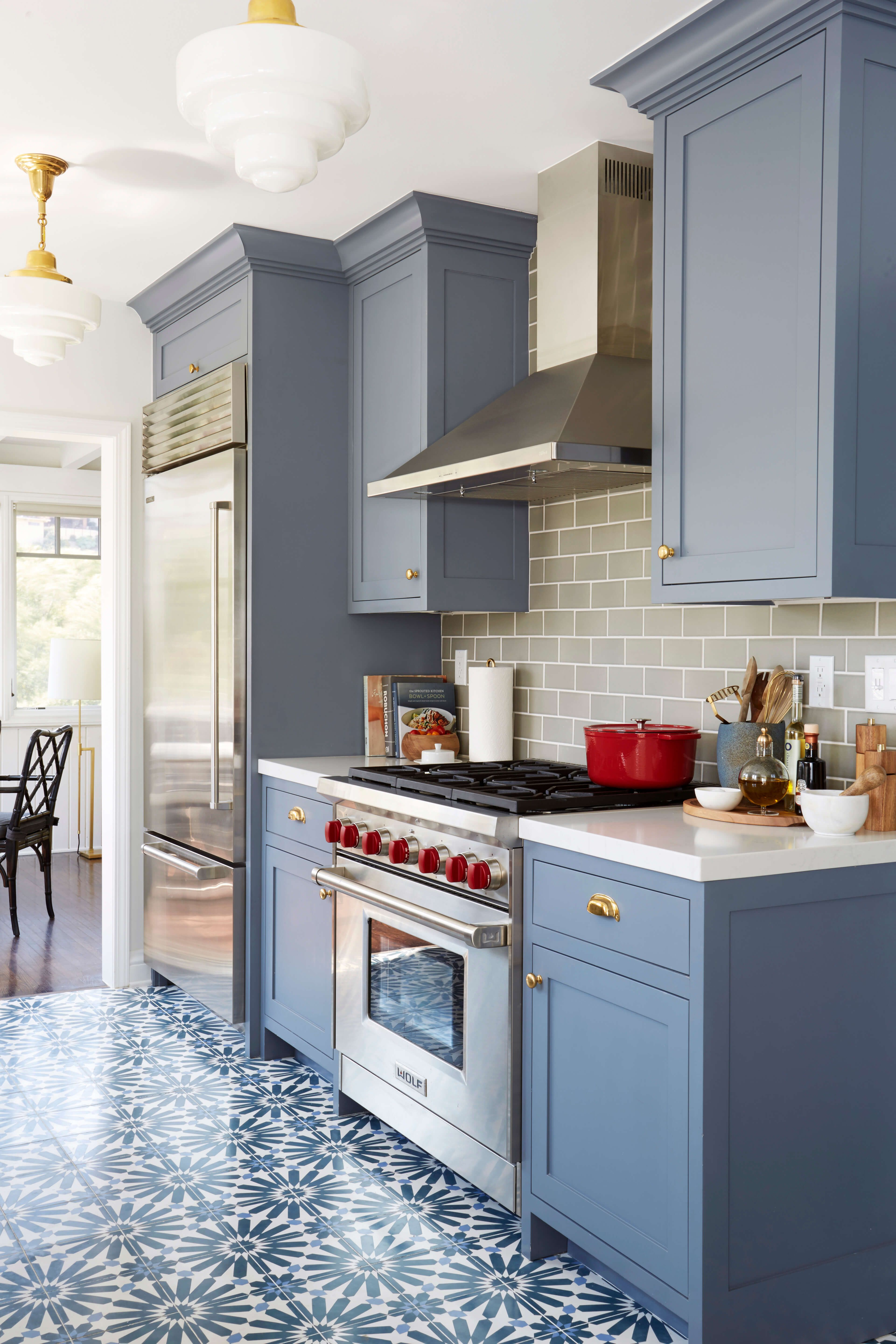 Benjamin Moore Wolf Gray a bluegrey painted kitchen