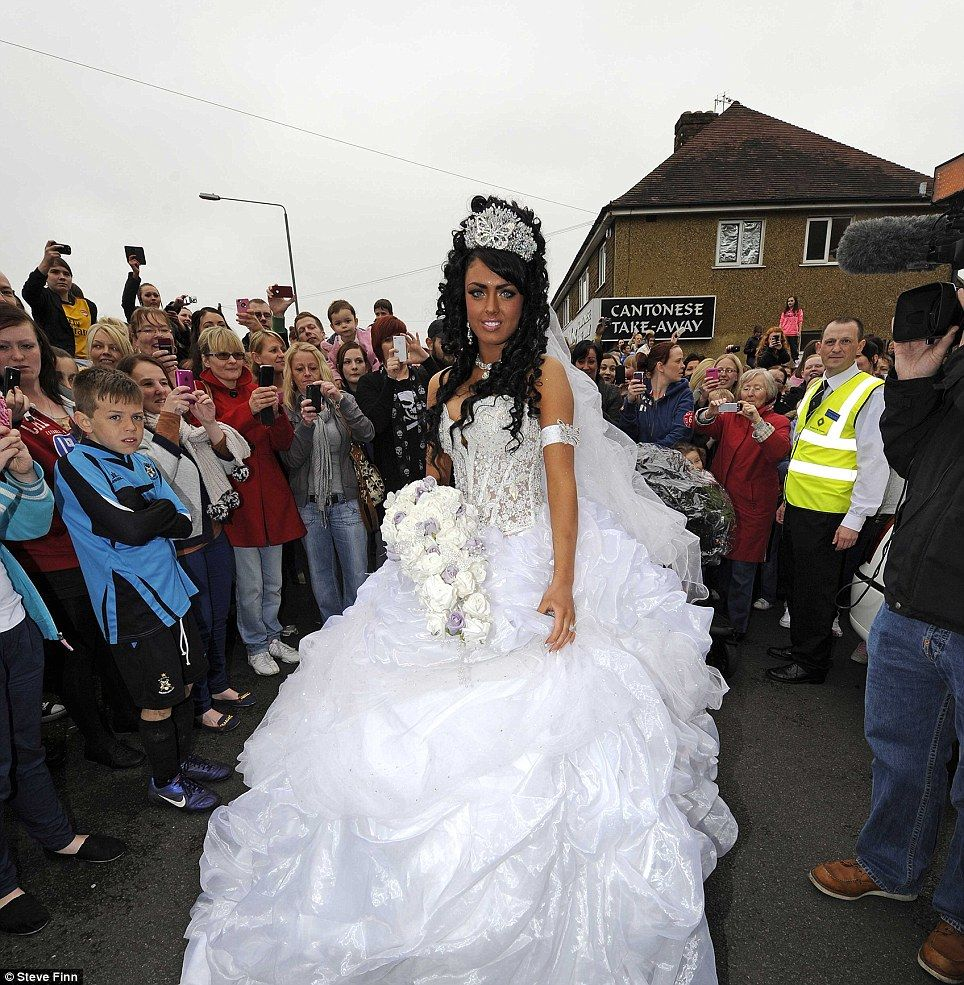 Britain's youngest gypsy bride gets married aged 16 years