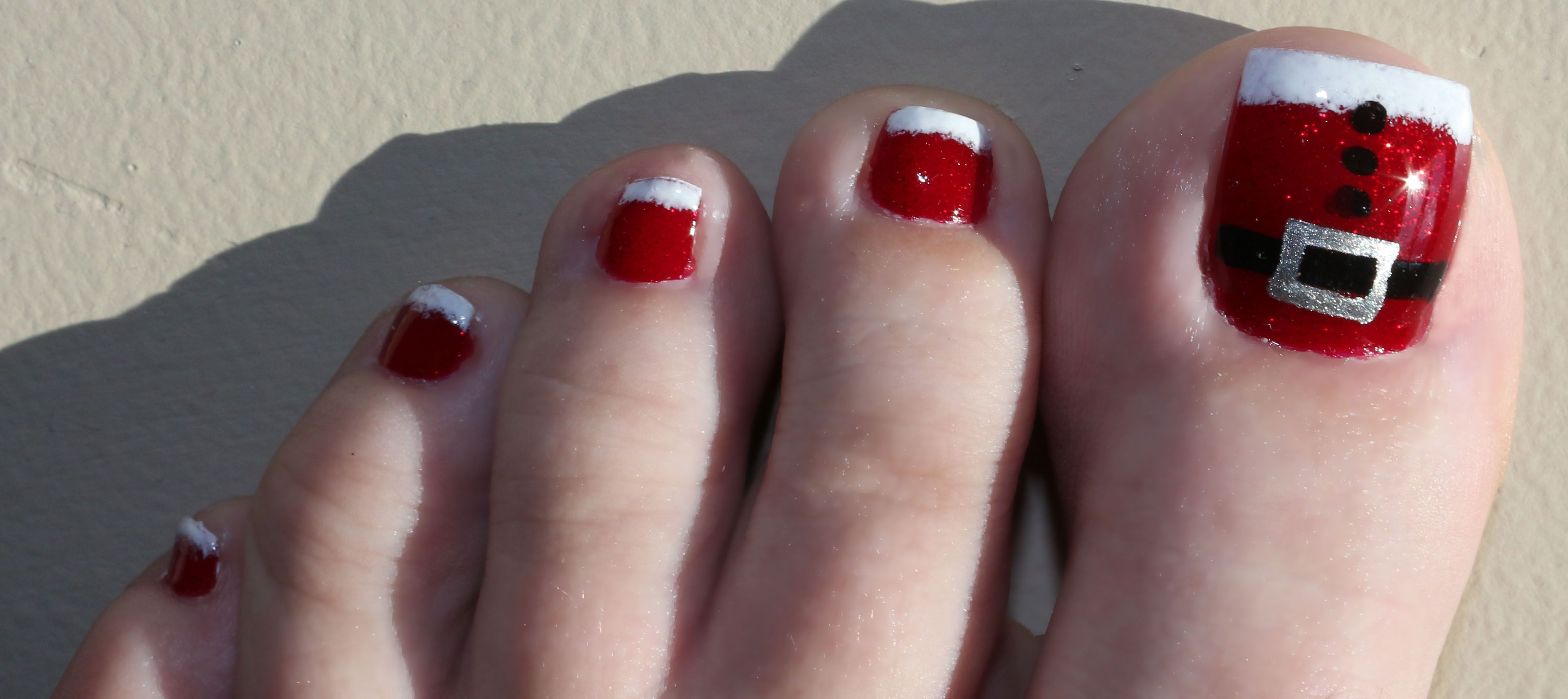 30 Best and Easy Christmas Toe Nail Designs Christmas