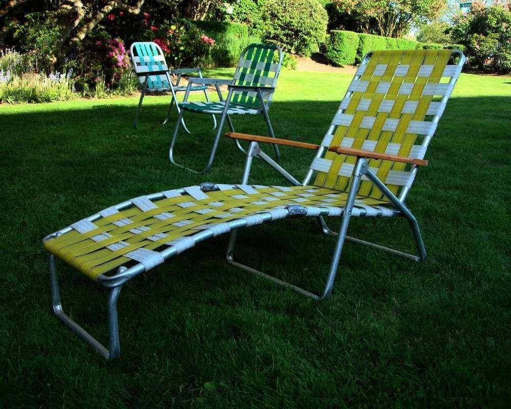 Mid Century Aluminum Chaise Lounge Folding Lawn Chair