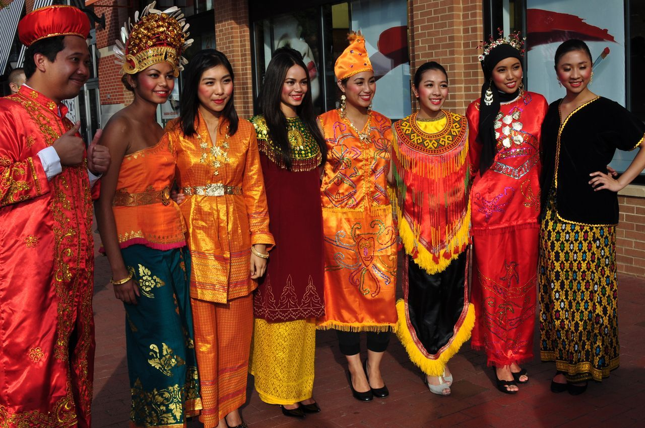 World traditional Attires 12555