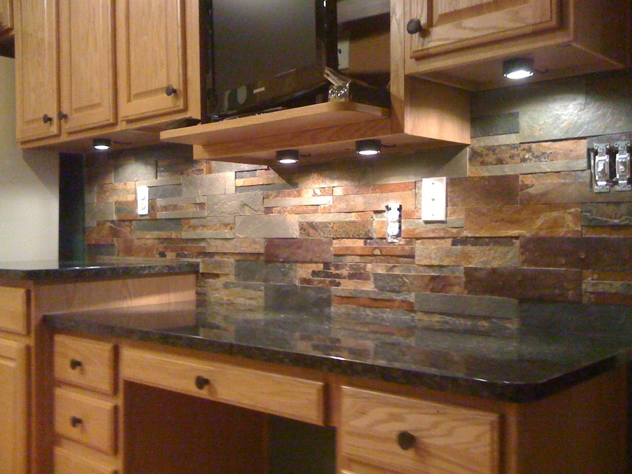 - Kitchen Countertops And Backsplash Photos. 1000 Images About