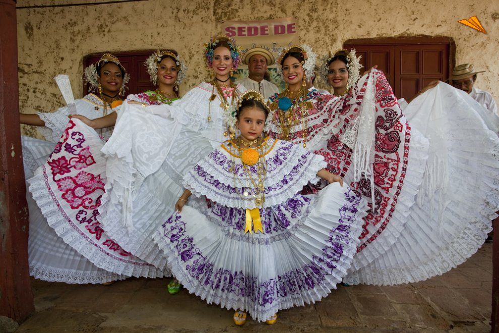 Grupo Con Vestidos Tpicos Panameos Fotos De Viajes