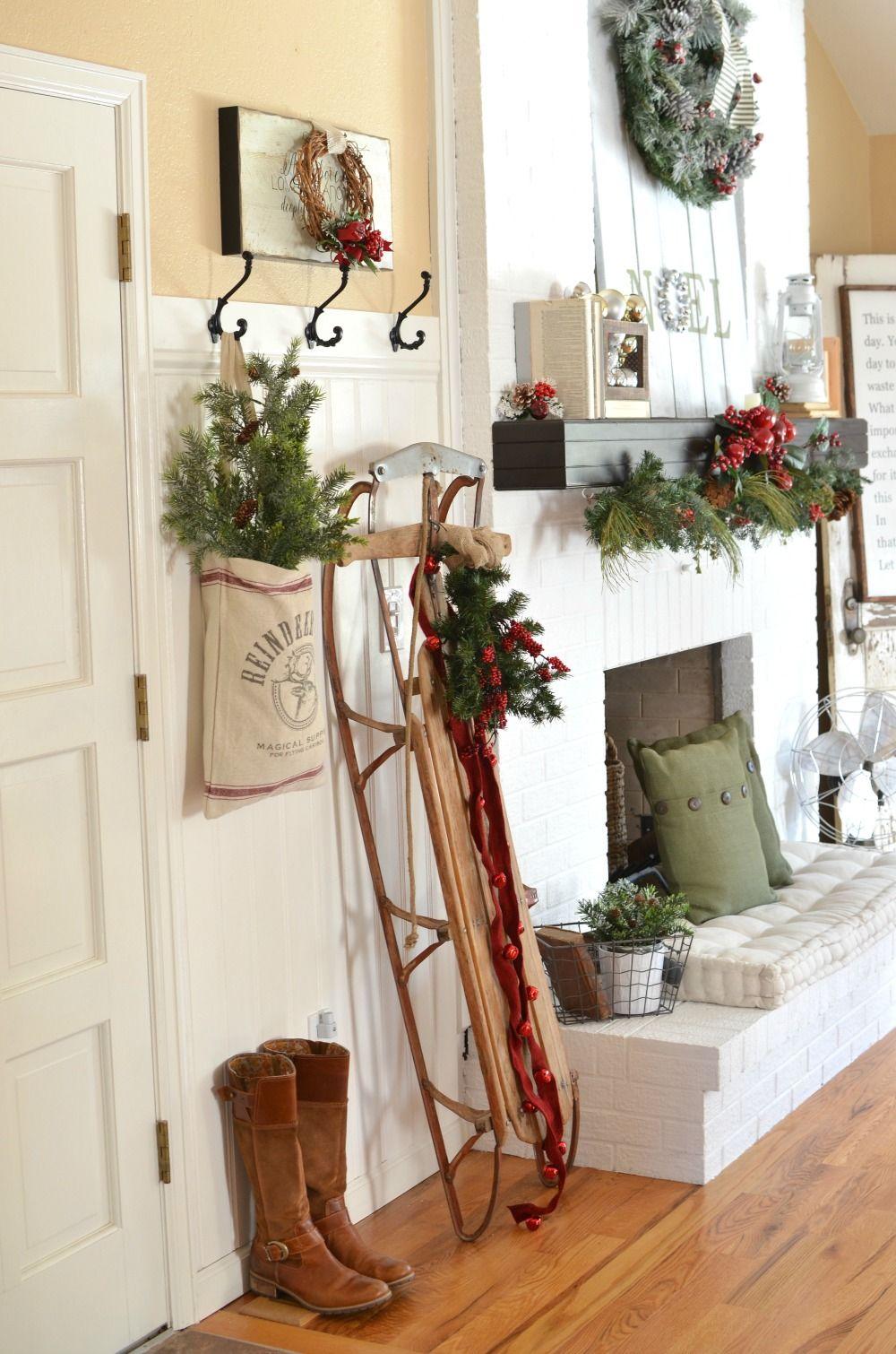 A Vintage Christmas Entryway Farmhouse christmas decor