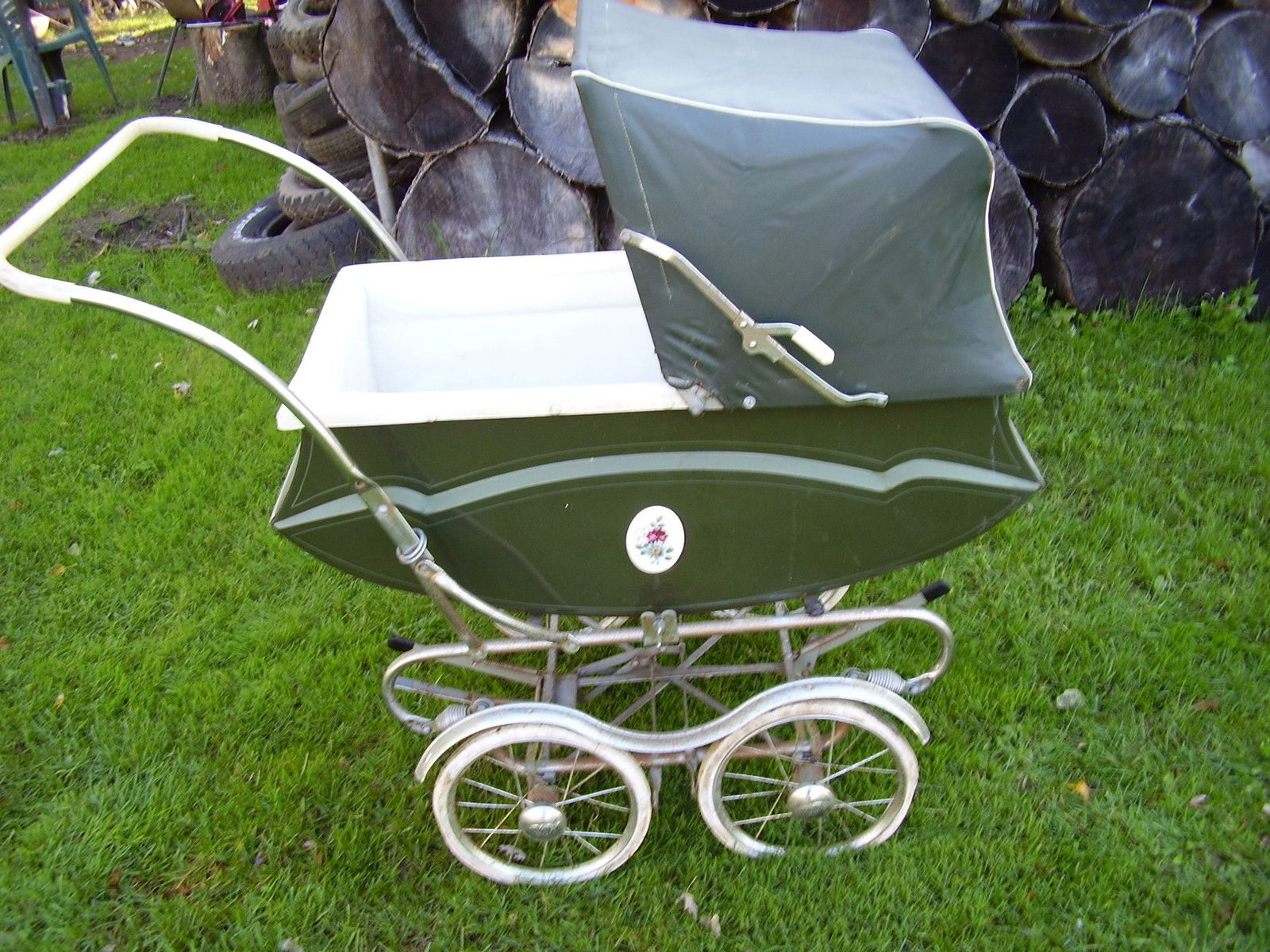 50s60s vintage doll carriage...I want one for my princess