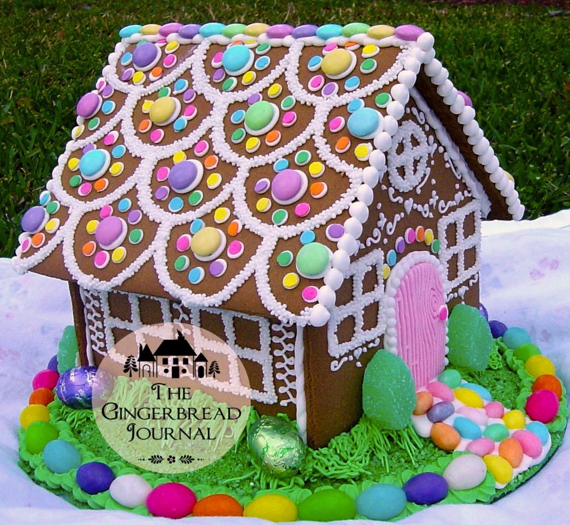 gingerbread house ; lots of