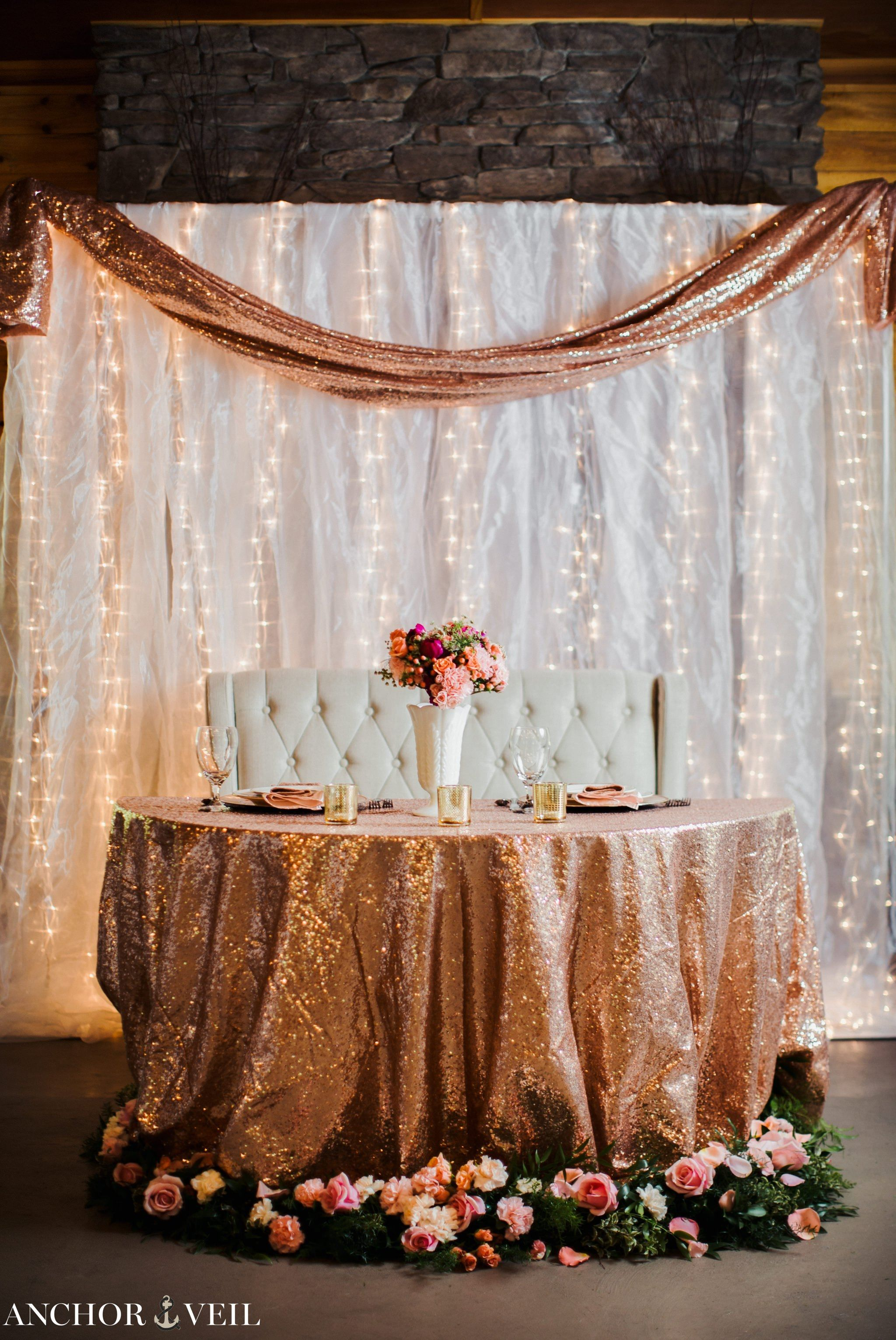 Rolling Hill Farms Wedding Photos Sweetheart Table