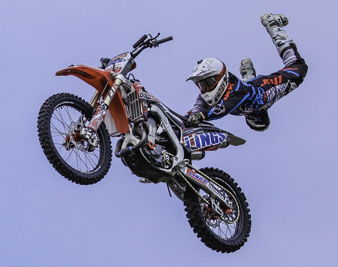 Motocross tricks Superman motocross tricks extreme