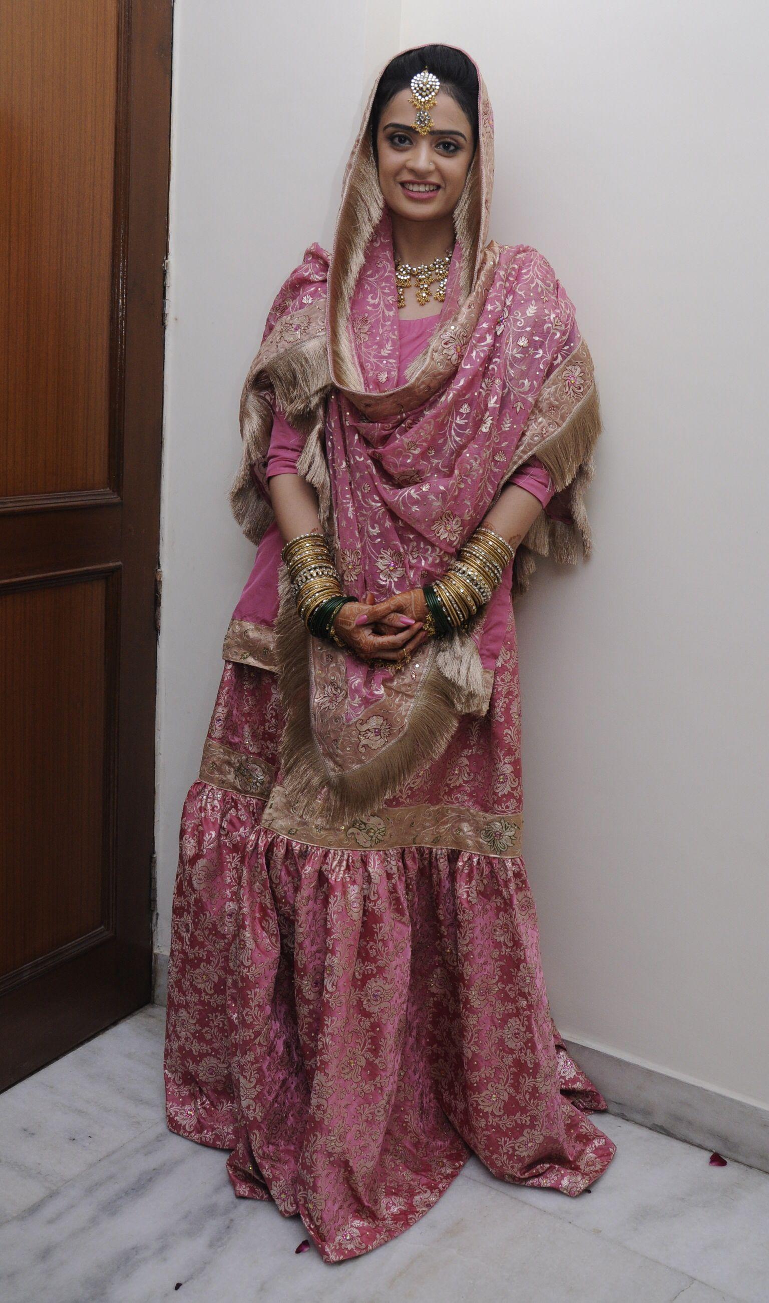 Pink kamkhwab Gharara Ghararas. Pinterest Pakistani