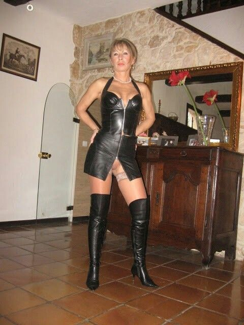 Pin Von Giovanni Del Gais Auf Milf In Latex Pinterest