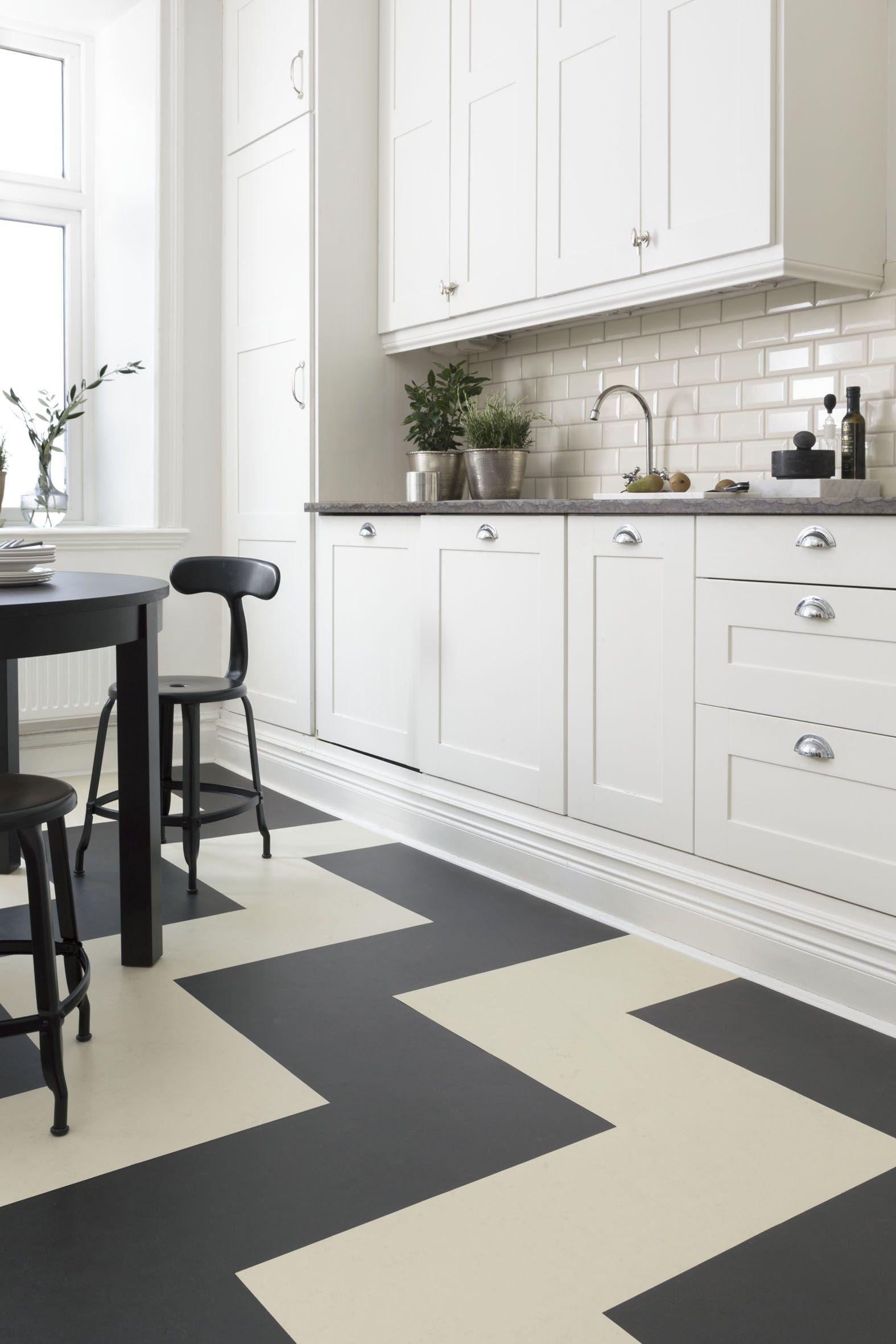 Forbo Flooring har kolleksjonen Marmoleum Click. Her i