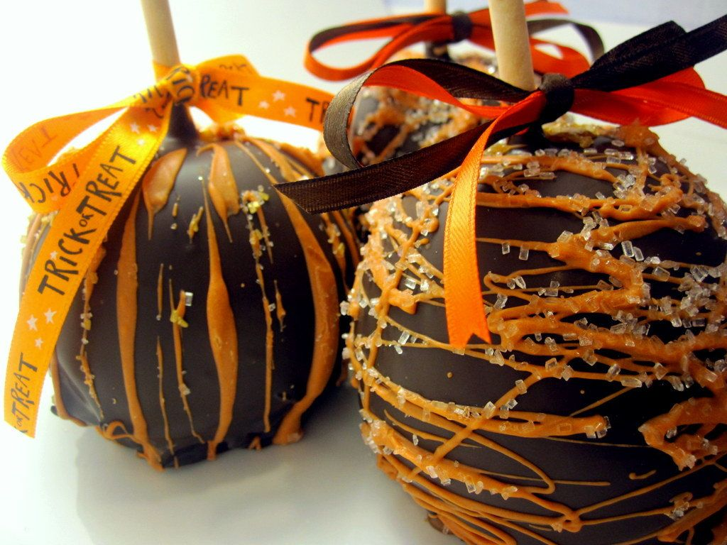 Fall & Thanksgiving Caramel Chocolate Covered Apple. 7.50