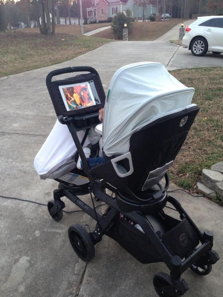 orbit baby stroller has a place for your iPad! Ohhhh