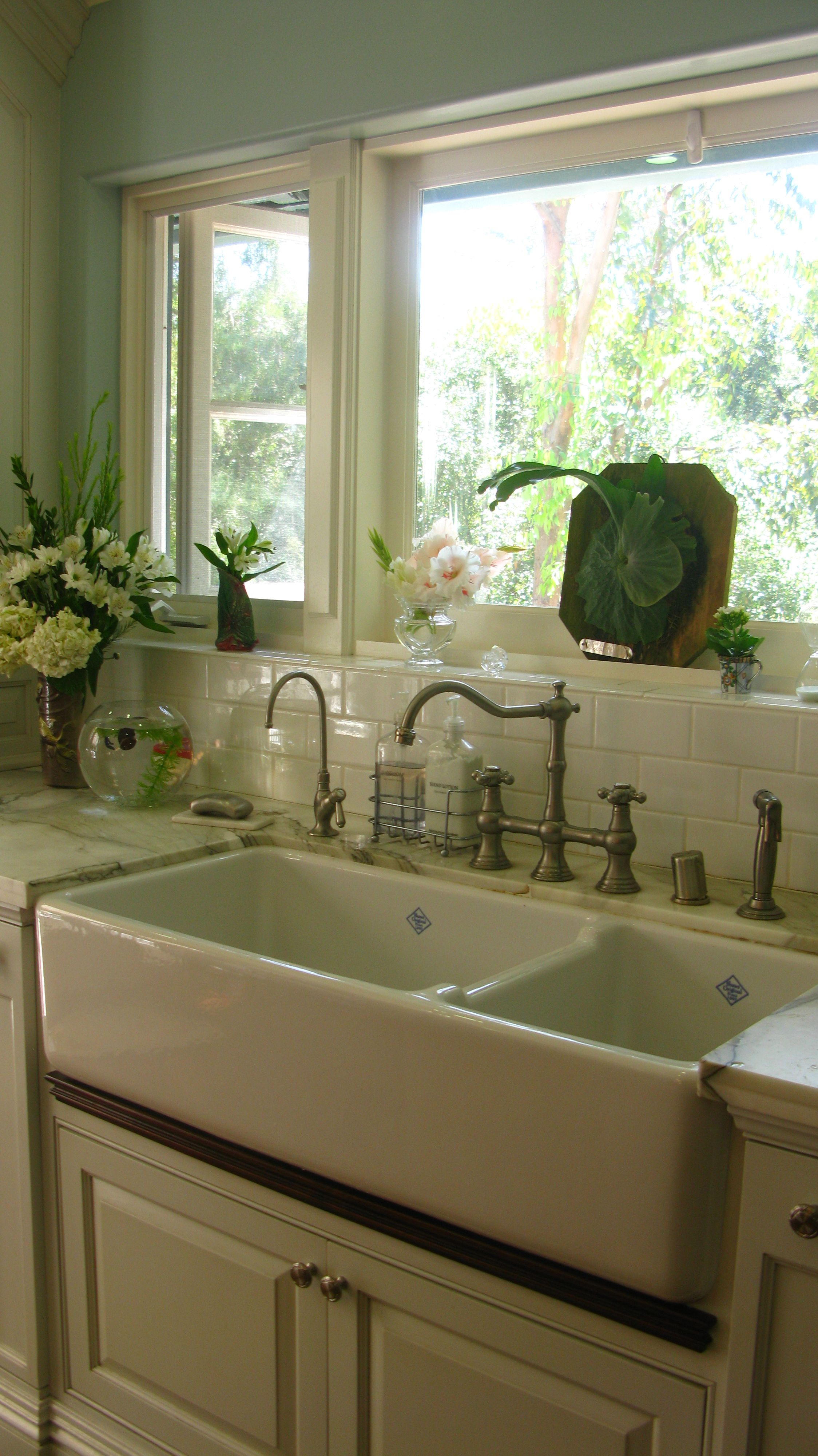 LOVE that double sink and polished hardward Kitchens I
