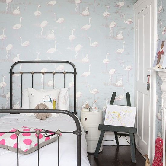 Child S Room With Flamingo Wallpaper Traditional Children Bedroom Ideas Rooms Photo Gallery