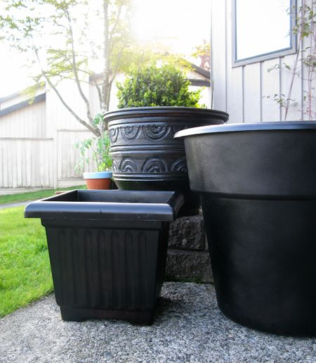 Spray Paint Plastic Planters Why Did I Not Think Of This Myself
