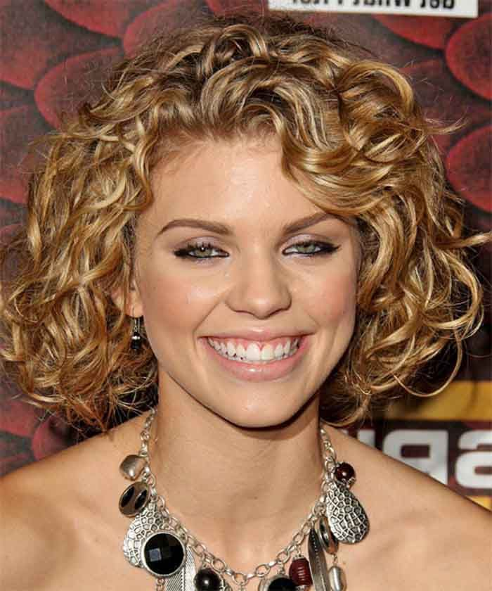 25 Best Curly Short Hairstyles For Round Faces