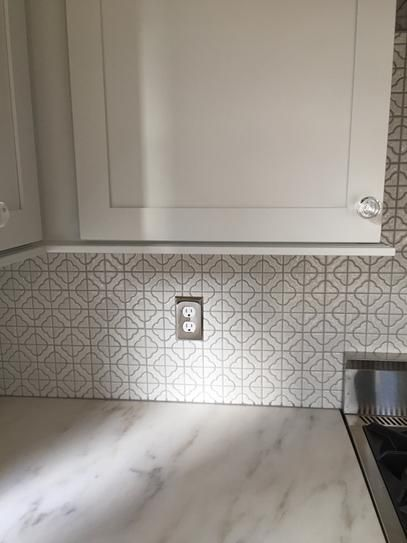 Merola Tile Palace White 11 34 In X 11 34 In X 5 Mm Porcelain Mosaic Floor And Wall Tile