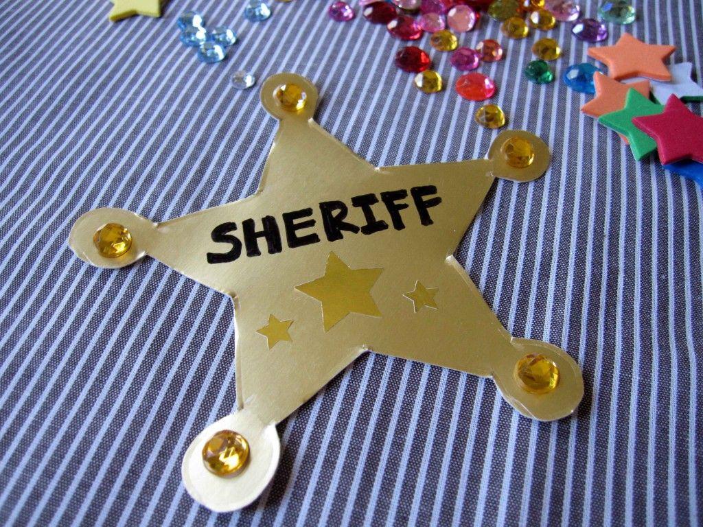 Wild West Storytime Books + Sherrif badge craft